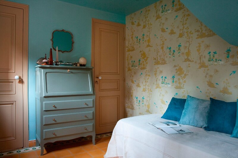 chambre-appartement-meuble-rue-louis-david-paris-1024x683