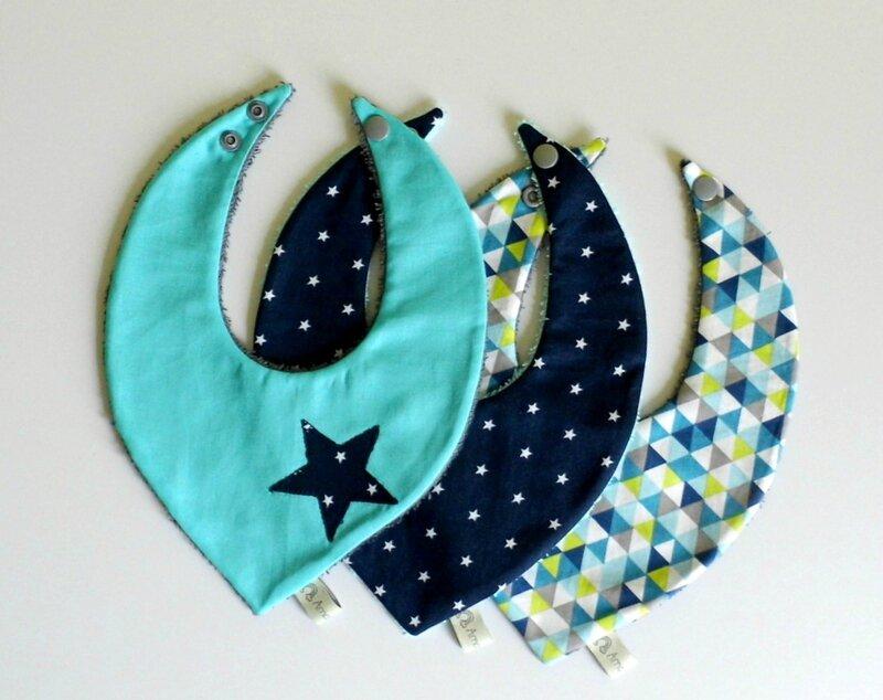 Bavoirs bandanas liste de naissance personnalisée sur mesure étoiles bleu marine turquoise