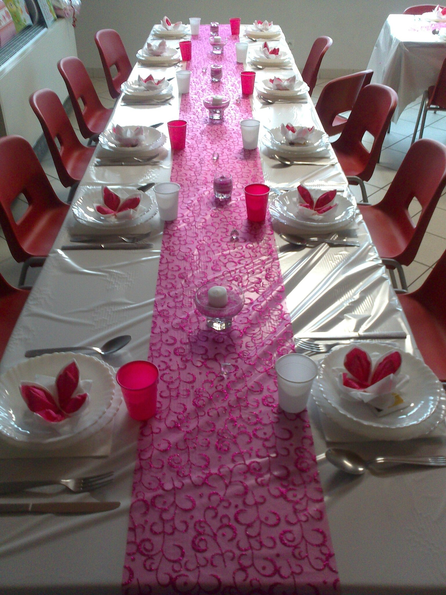 D co de table blanc et rose recettes gourmandes pour for Decoration or rose