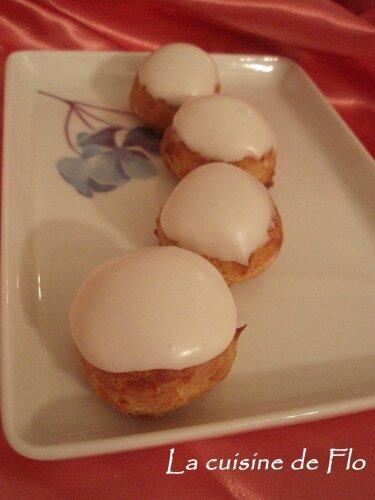Petits choux glacés fourrés crème pâtissière