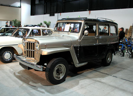 Jeep_willys_type_6230_4WD_station_wagon_de_1962__RegioMotoClassica_2010__01