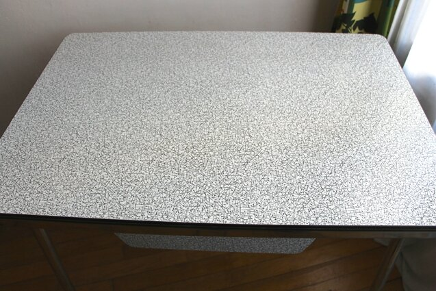 table-formica-plateau