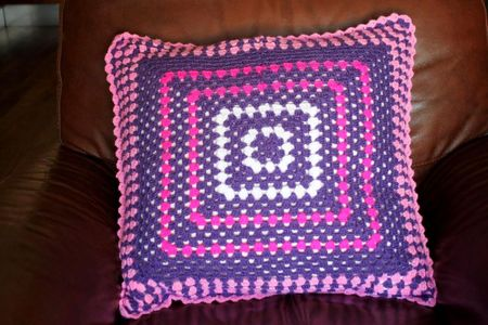 granny coussin1