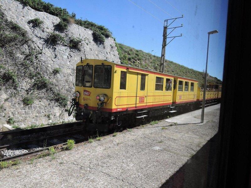 0304 Train Jaune 17 mai 2015