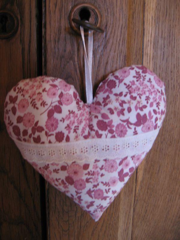 good tuto coeur en tissu 12 coeurs 008 coeurs 012 homeezy. Black Bedroom Furniture Sets. Home Design Ideas