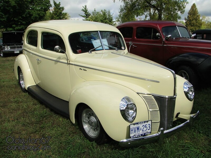 ford-deluxe-tudor-1940-01