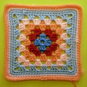200 carrés crochet Fantaisie ajourée