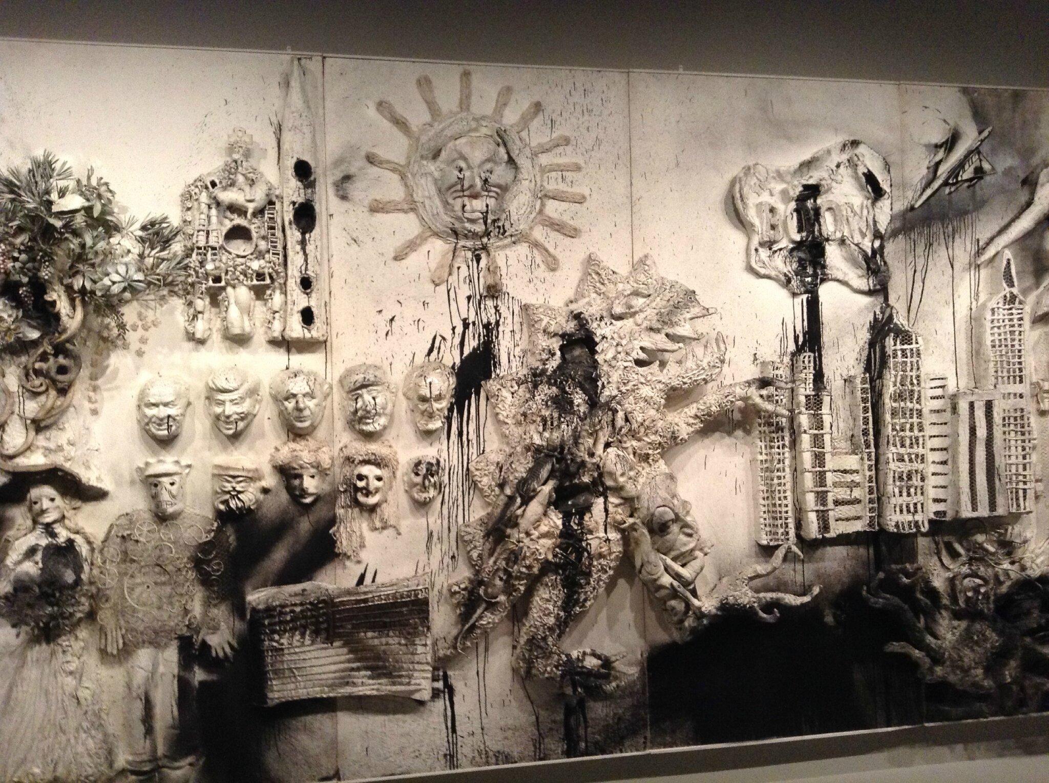 Niki de Saint Phalle et ses dr´les de Nanas triomphent au Grand