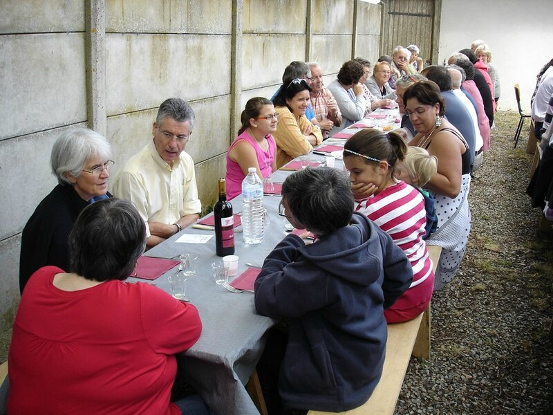 2014-07-14-repas et boule de fort-amicale laïque (18)