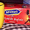 Un petit thé et mes mc vitie's miiiam ;)