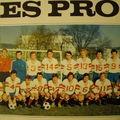 L'équipe de la saison 1970/71. A noter, le short bleu à cause du sponsor de l'époque: Total.