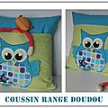 Coussin range doudou et bavoir hiboux