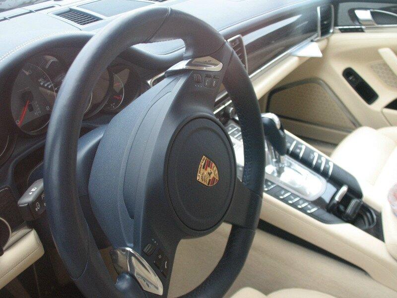 PorschePanamera4Sint
