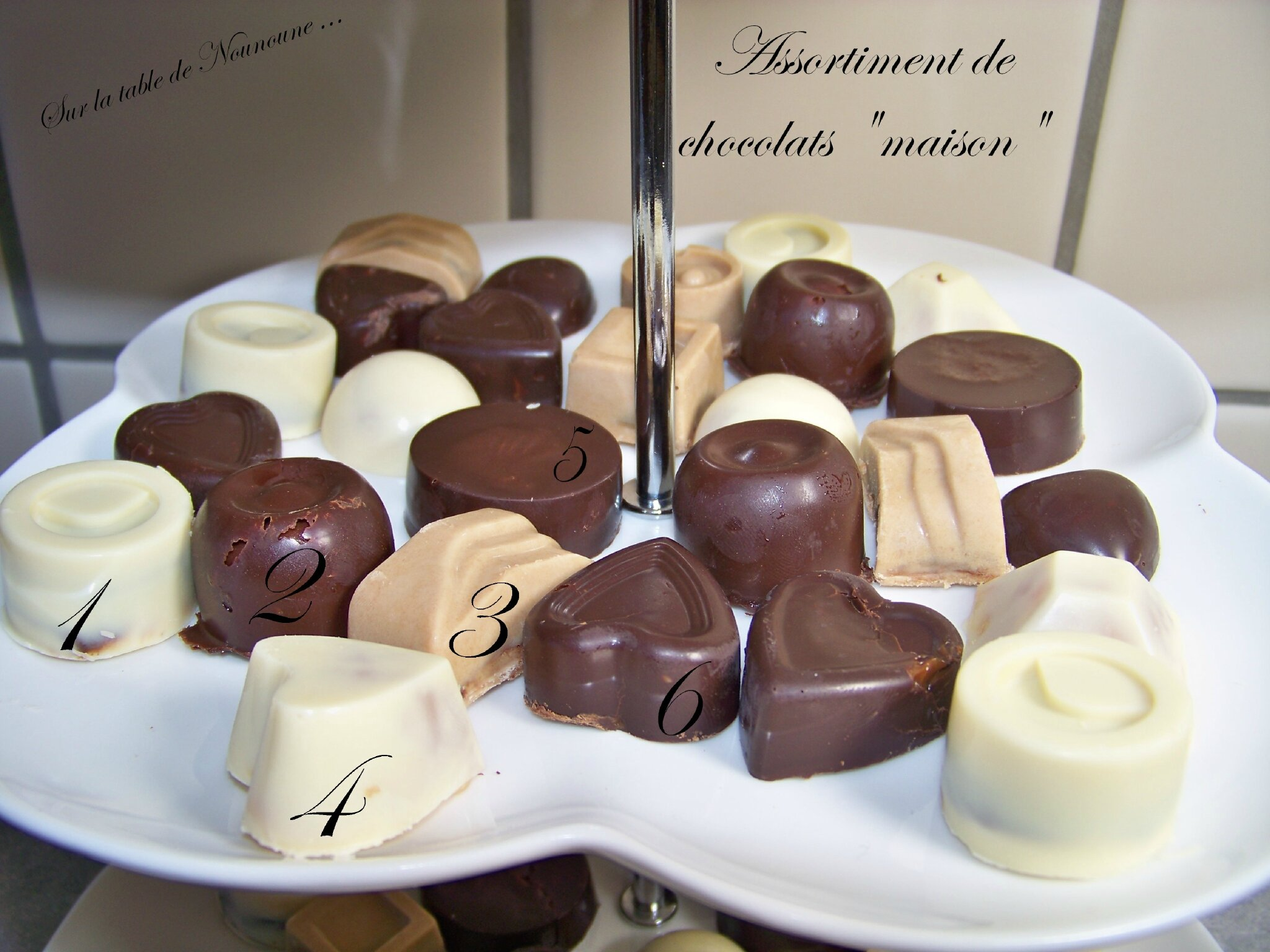 assortiment de chocolats maison sur la table de nounoune. Black Bedroom Furniture Sets. Home Design Ideas