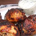 Morceaux de poulet épicés, sauce au yaourt