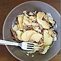 Effiloché de canard confit, chou et pomme au 4-épices
