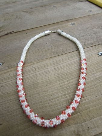 collier crochet toupies paparad 3