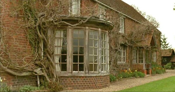 Cottage-from-Howards-End-filming-location-1