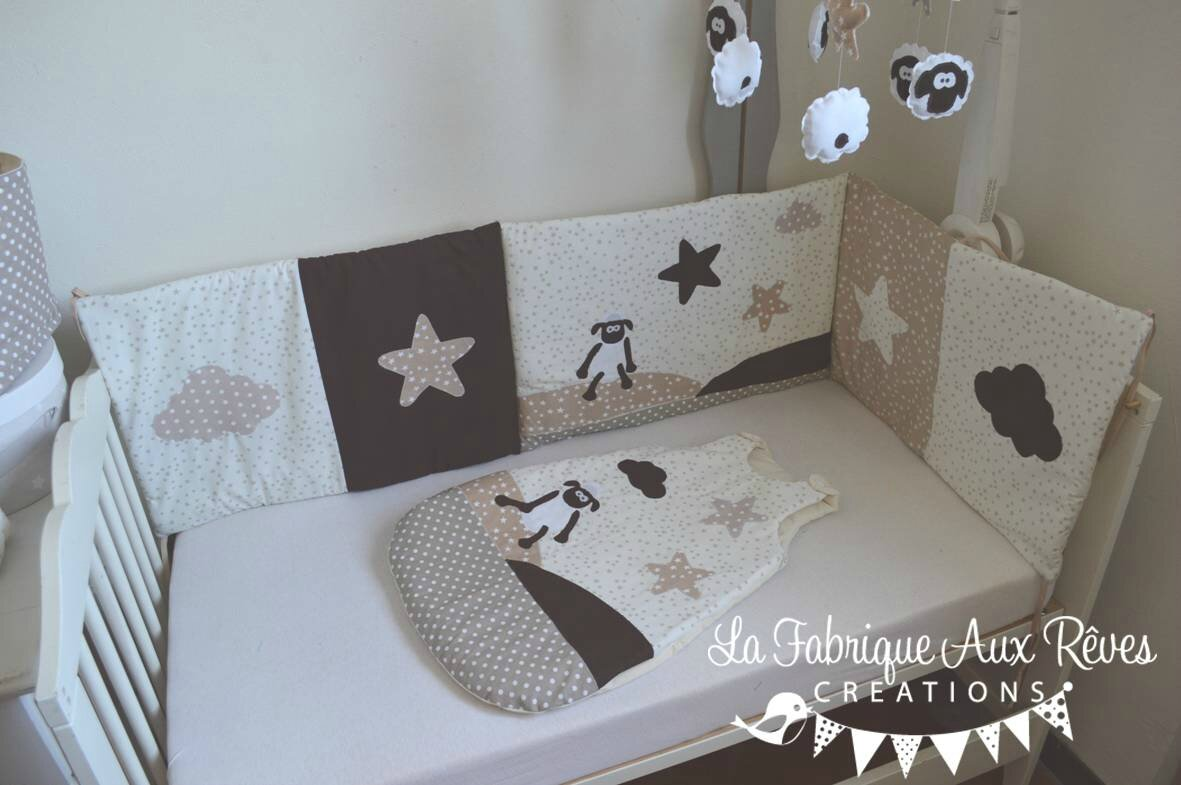 Tour lit gigoteuse turbulette b b mouton nuage toiles beige cr me chocolat photo de 1 - Tour de lit bebe nuage ...