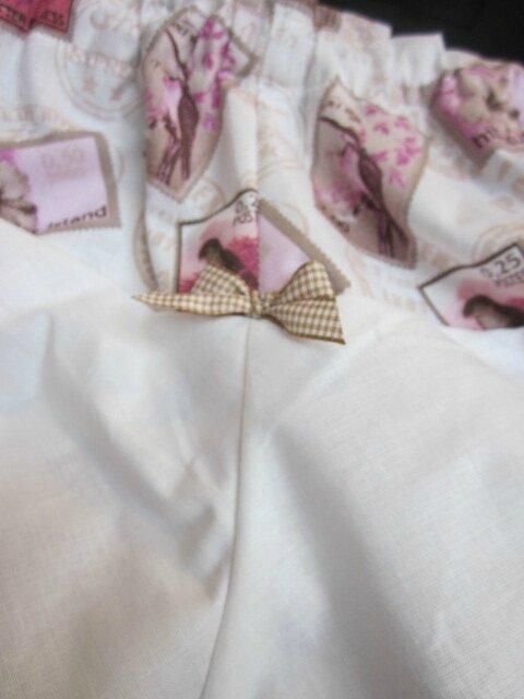 Culotte BIANCA en coton imprimé timbres rose et beige - coton imprimé timbre et coton blanc dans le dos - noued de vichy beige devant et sur les fesses (6)