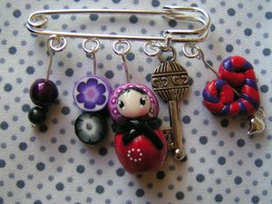 broche matriochka