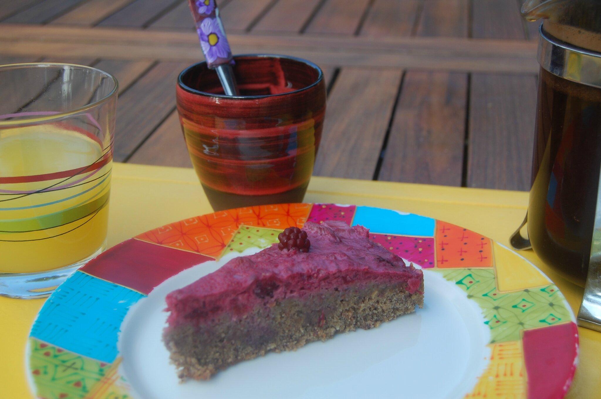 Mélanger rhubarbe, framboises et noisettes pour un petit plaisir sucré