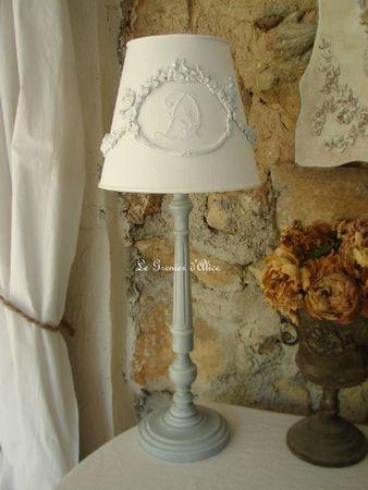 Abat jour diametre 20 avec moulure guirlande fleurs decoration de charme shabby le grenier d'alice