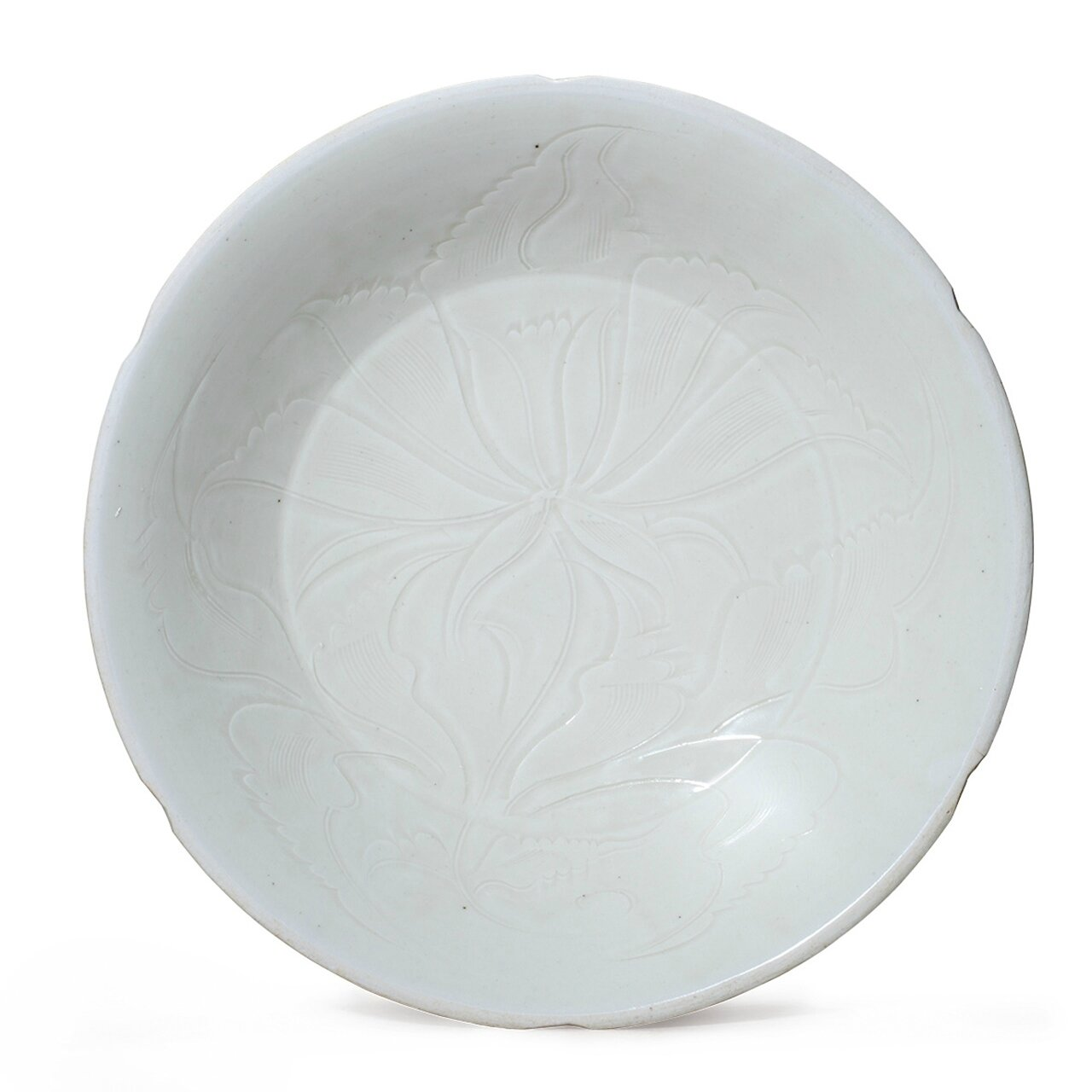 A very rare Dingyao dish carved with peony, Northern Song Dynasty (AD960-1127)