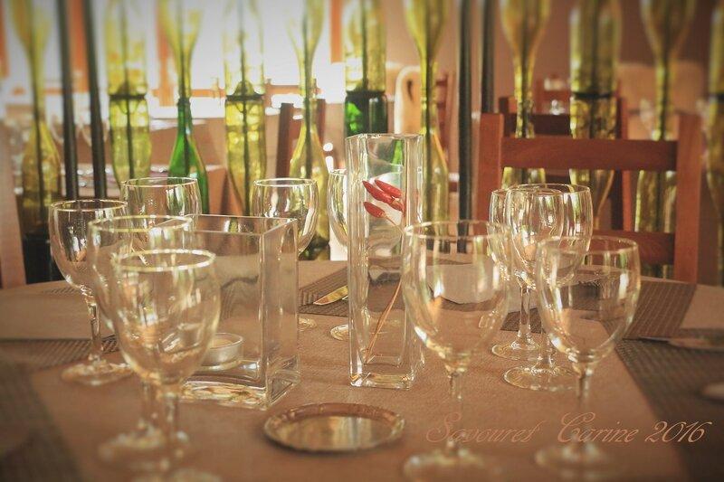Table__avec_verres_
