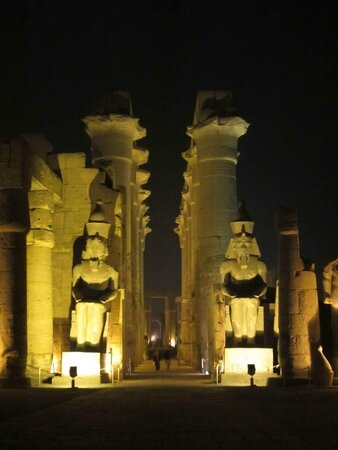 Luxor-night