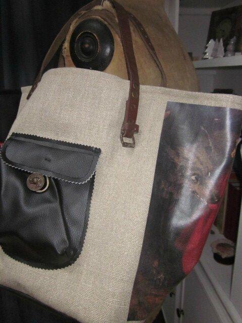 Sac cabas FELICIE n°14 en lin brut avec transfert petit chaperon rouge et simili cuir noir