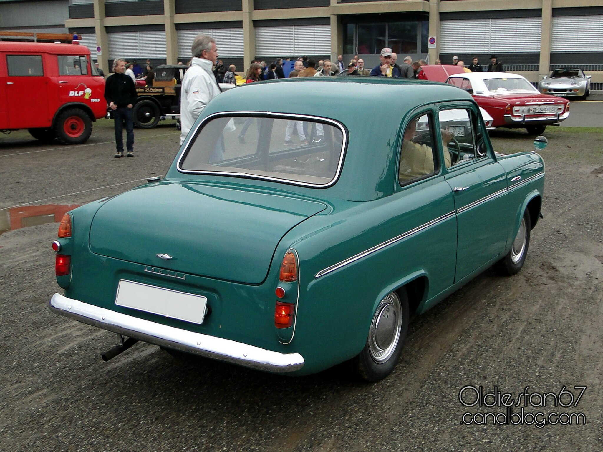 ford anglia 100e 1953 1959 oldiesfan67 mon blog auto. Black Bedroom Furniture Sets. Home Design Ideas