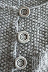 gilet_gris_boutons