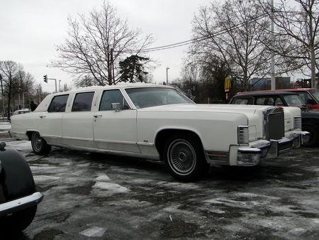 LINCOLN_Continental_Town_Car_Limousine___1978__Retrorencard 3