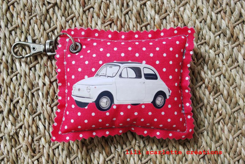porte clef fiat 500 rouge pois blanc photo de porte clef lili scarlette. Black Bedroom Furniture Sets. Home Design Ideas