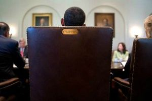 obama_chaise