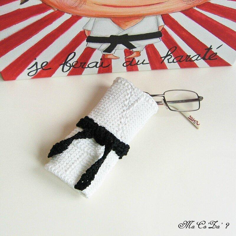 Etui lunette kimono au crochet