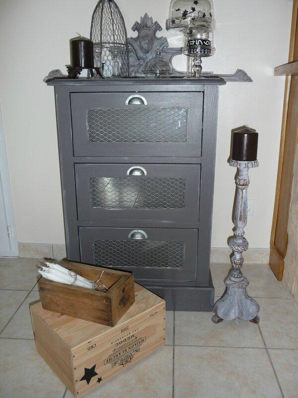 meubles repeints mon atelier de gris et de broc. Black Bedroom Furniture Sets. Home Design Ideas