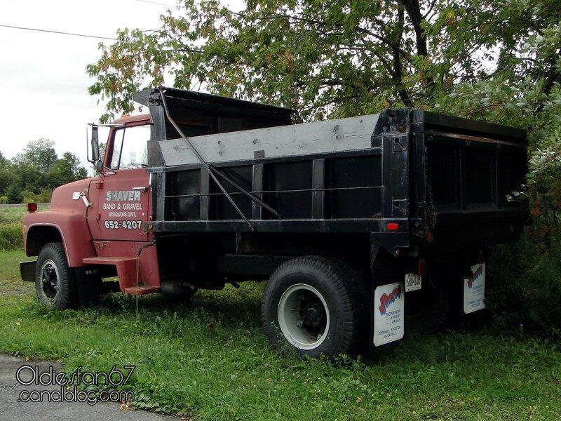 ford-l800-dump-truck-1970-1984-02