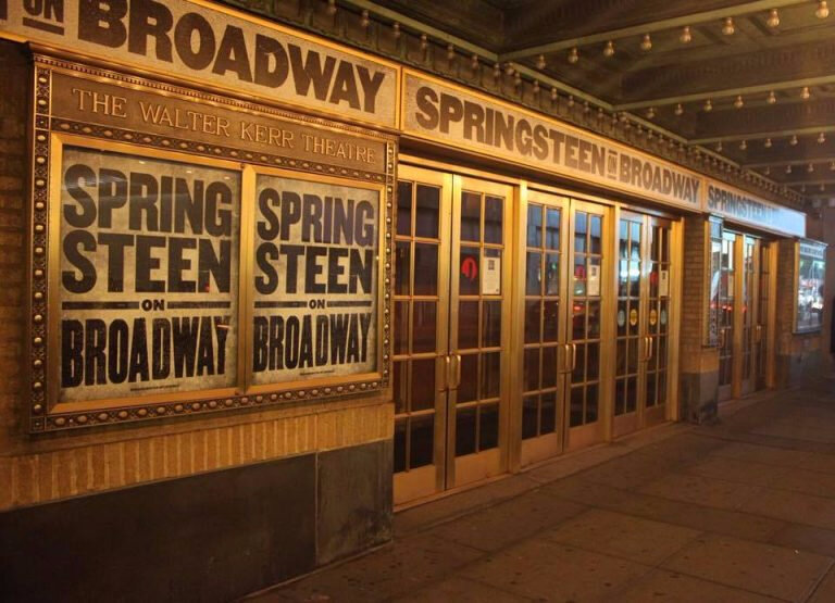 Springsteen-on-Broadway-Signage-768x555