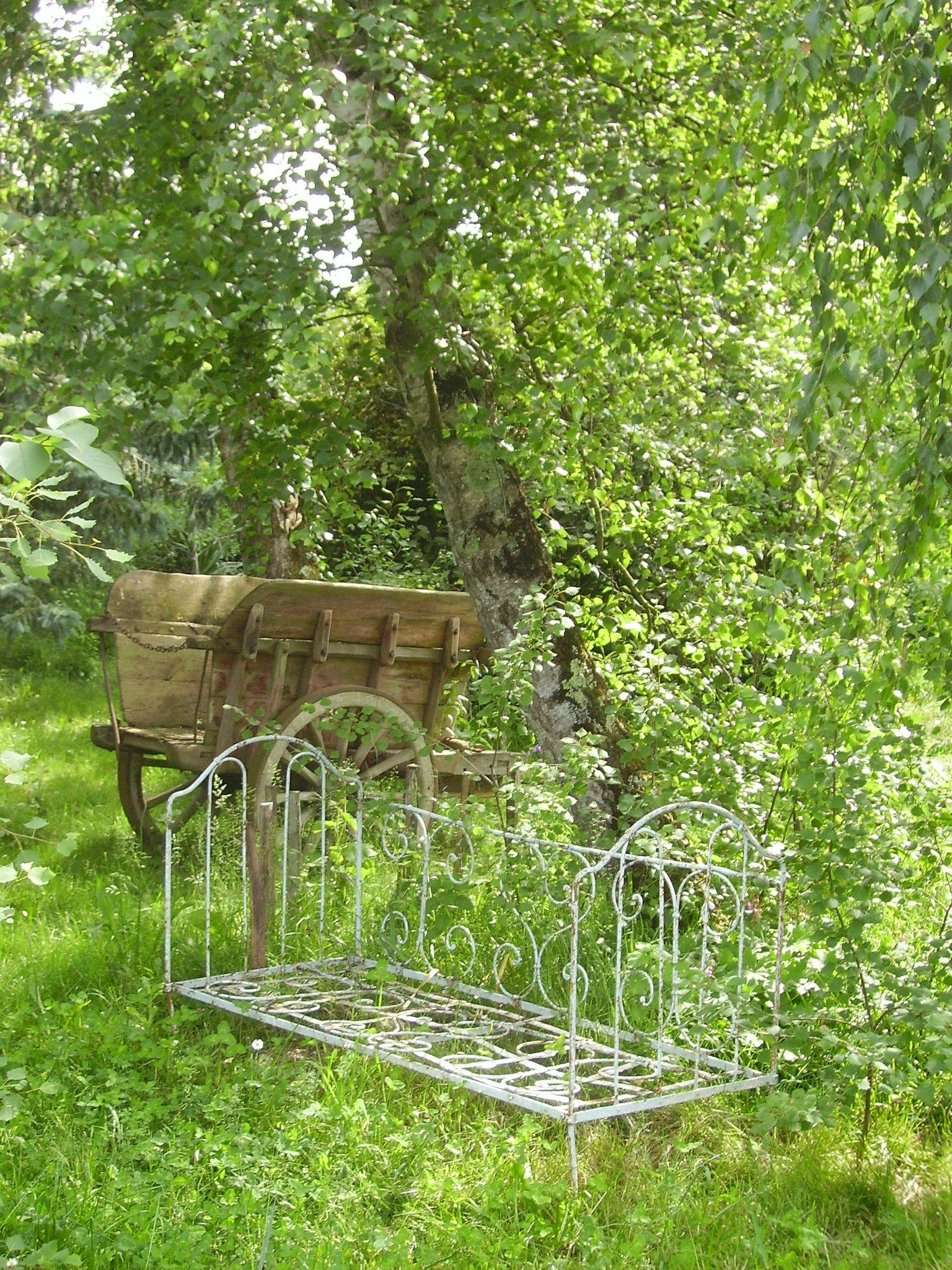 Un petit tour au jardin le grimoire de la dame aux herbes for Jardin hildegarde