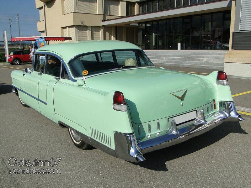 Cadillac series 60 Special Fleetwood 4door sedan-1955-02