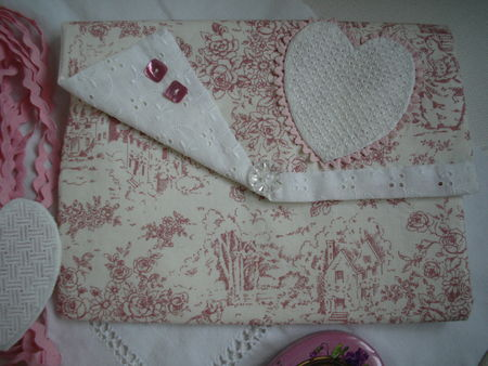 pochette_coeur_broderie_ajour_e_008