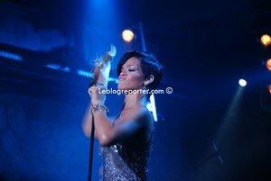 rihanna_live