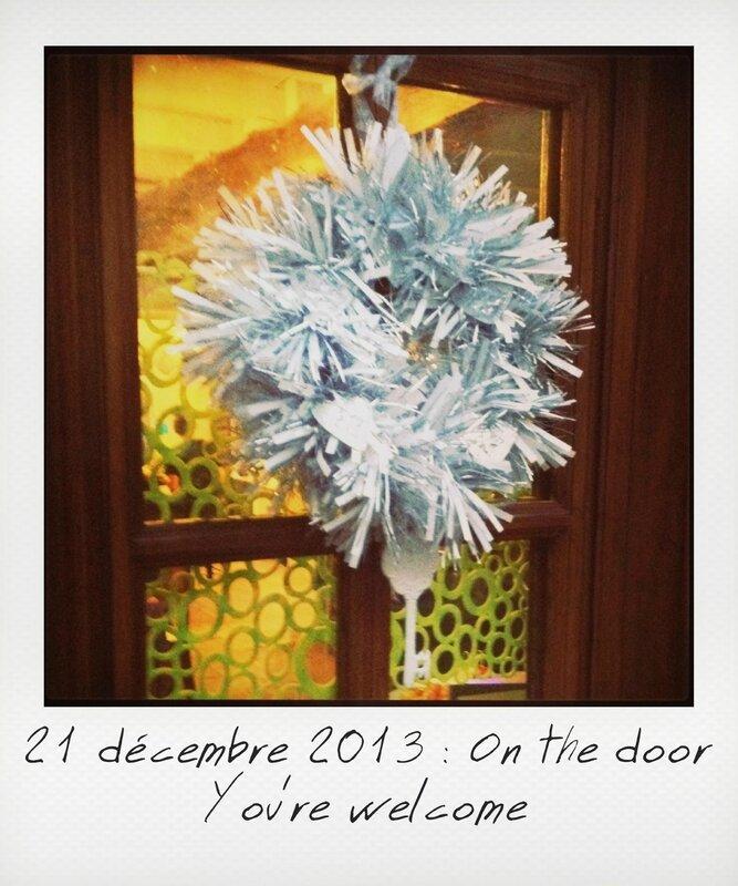 21-On the door_instant