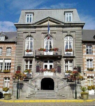 AVESNES SUR HELPE-L'Hôtel de Ville (1)