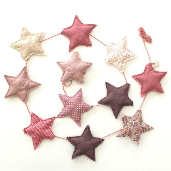 numero-74-pink-star-garland