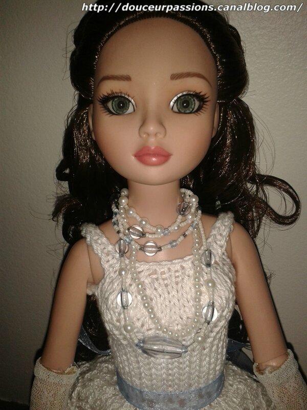 Rose en robe blanche2