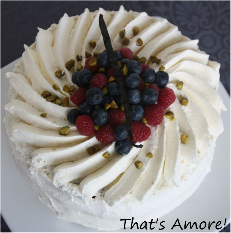 G teau la chantilly et fruits rouges that 39 s amore - Decoration gateau avec creme chantilly ...