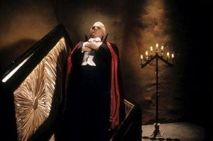 dracula_mort_et_heureux_de_l_etre_dracula_dead_and_loving_it_1995_reference